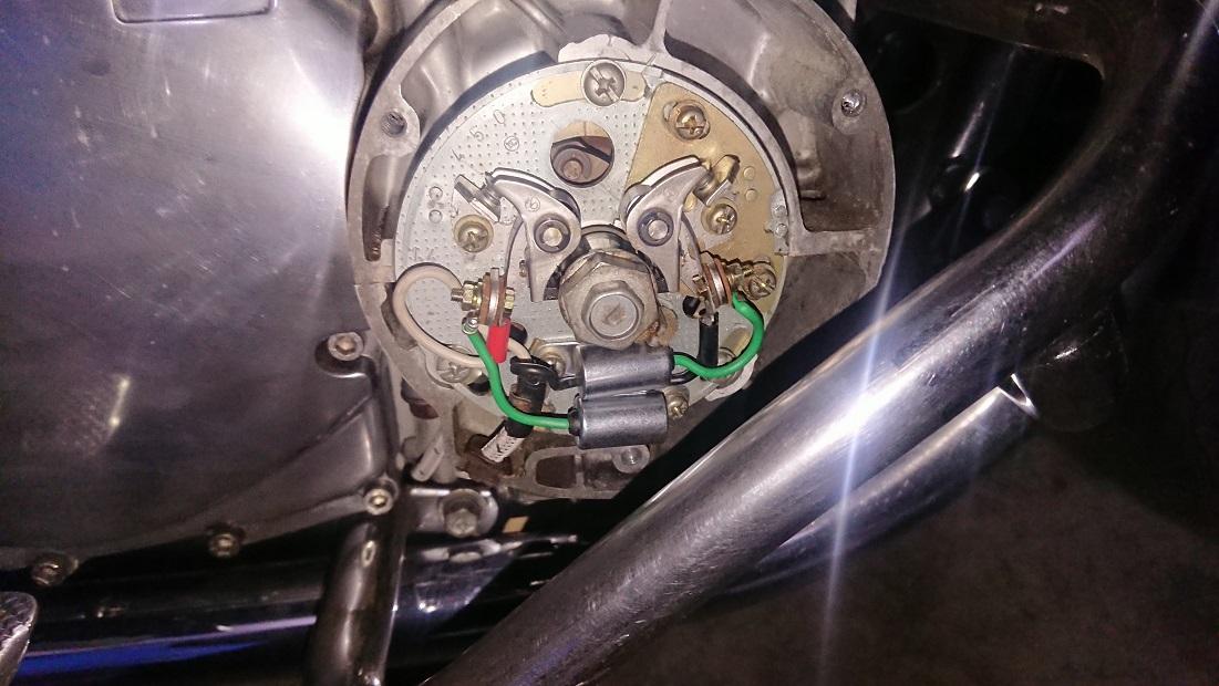 GS1000のコンタクトブレーカ