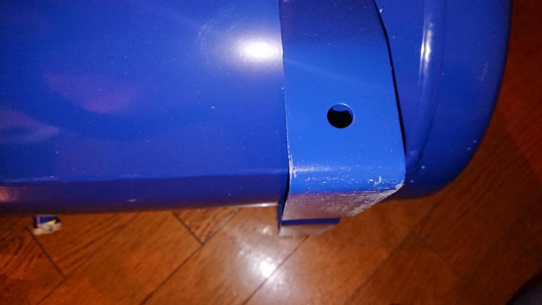 イリイのエアコンプレッサーTR-303ECのキャスタ取付穴