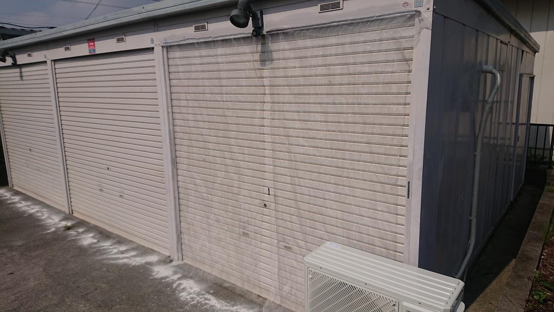 エアコンを設置するイナバガレージ